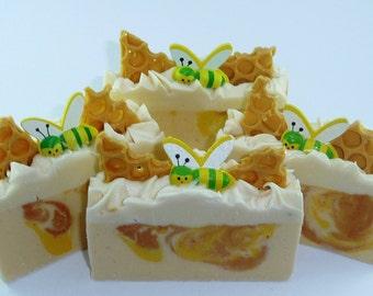 Goat milk soap, oats and honey soap, creamy moisturizing soap, sapone, soap bar,