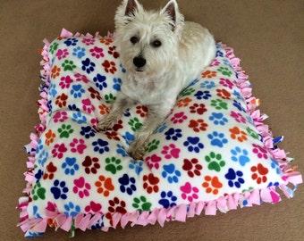 Fleece Paws Print Bed