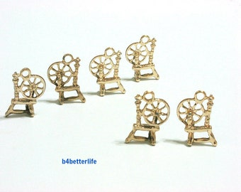 """Lot of 24pcs Double Sided """"Antique Weaving Sewing machine"""" Gold Color Plated Metal Charms. #XX725."""