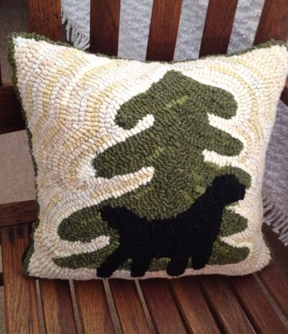 Dog Throw Up On Sisal Rug: Hooked Rug Pillow Pattern For Decorative Hooked Accent Pillow