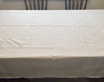 """Ivory Raised Pattern Tablecloth 60"""" x 90"""""""