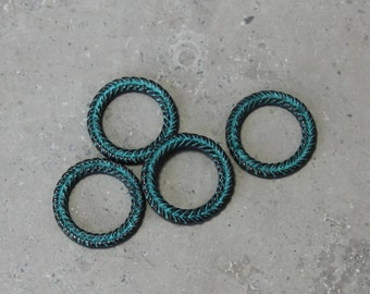 1 ea  braided wreath link #121