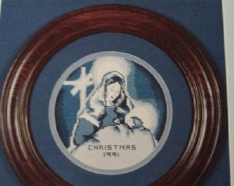 The Christmas Plate Collection 1991 - Mother and Child Cross Stitch From Nordic Needle Designed By Dorothy Jackson MINT CONDITION