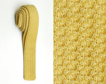 Mens Vintage 50s Bright Yellow Dayglo Knit Square Bottom Skinny Necktie Neck Tie
