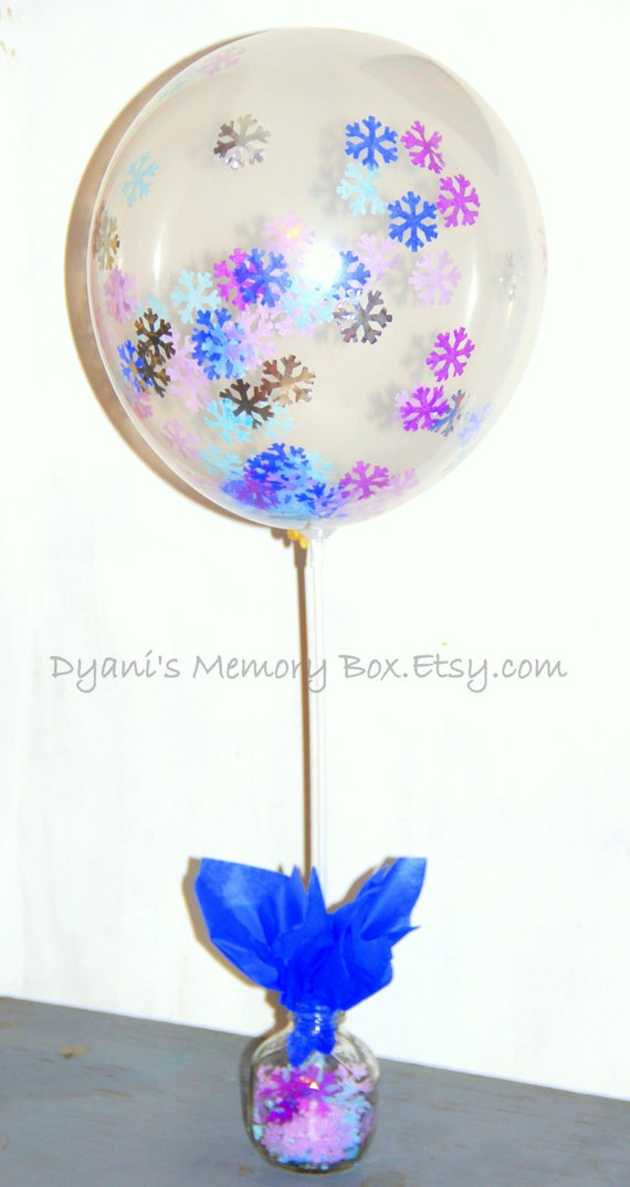 Stick and cup balloon holder centerpiece