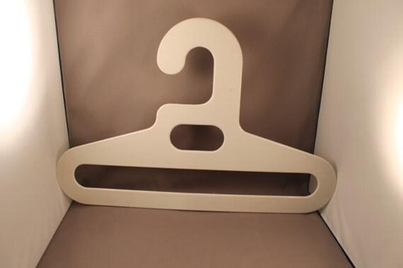 70er jahre pop design kleiderb gel true vintage wei ingo. Black Bedroom Furniture Sets. Home Design Ideas