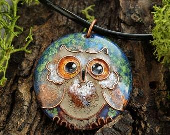 Round pendant brown Owl bird