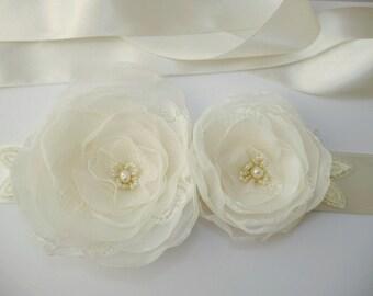 Ivory Bridal Sash, Flower Wedding Sash, Bridal Sash, Ivory Belt, Flower Belt, Weddings, Wedding Dress, Lace Bridal Sash,Vintage, Floral sash