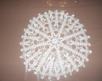 Vintage hand crocheted little doily - round handmade crochet - white crocheted doily