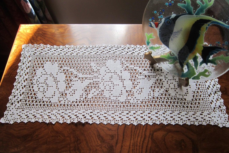Free Crochet Patterns For Dresser Scarves : New White Filet Crochet Dresser Scarf Runner Climbing Roses