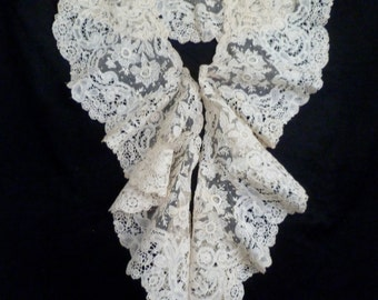 Gorgeous Bertha collar from the 1800's  Fine Brussels bobbin lace with needle lace point de gaze inserts