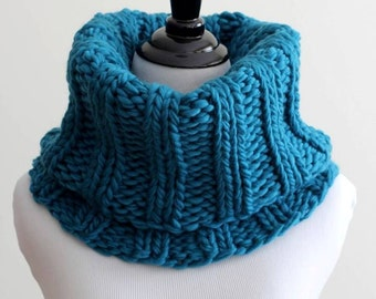 WOOL COWL, knitted cowl, knit snood, winter cowl, knit tube scarf, hand-knitted cowl, 100% soft wool scarf, teal scarf, soft wool scarf