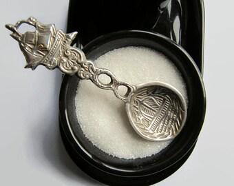 Vintage sugar spoon, silverplated sugar spoon, sugar spoon, sugar ship spoon, flatware sugar spoon, silverplated flatware,1960s sugar spoon