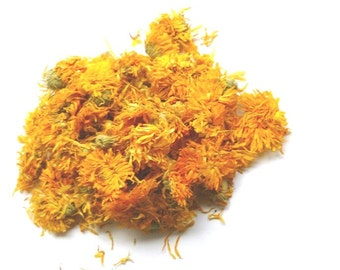 Organic dried calendula flowers 1 oz/ harvested in Bakhchisarai (Russia), in a mountainous area in 2015 1 oz/ 30 g.