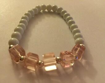 Pink cube stretch bracelet