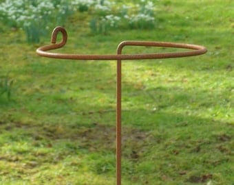 Hand made, rusted, metal wrap around plant supports. Arrondi Pack of five.