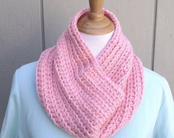 Chunky crocheted cowl - Circle scarf - Pink neck warmer - Infinity scarf