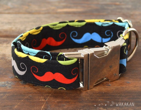 Funky Moustache dog collar adjustable. Handmade with 100% cotton fabric. Very colorful pattern. Wakakan
