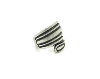 Vintage Antiqued Silver Spoon Ring, 1pc