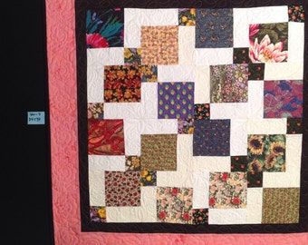 """Twist and Turn Baby /Wall or table topper Quilt 34"""" X 34""""  Item QW-4"""