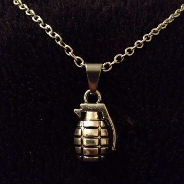 80p uk p p handmade grenade charm pendant necklace on 17inch