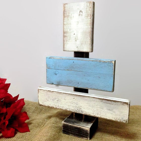 Wooden christmas tree distressed rustic christmas decor for Decoration list mhw