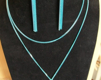 Blue necklace + earrings chain