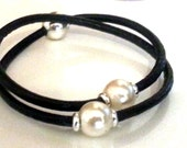 FREE SHIPPING Pearl bracelet and necklace .