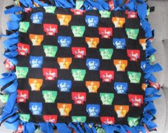 No sew fleece pet blanket Beatles with blue