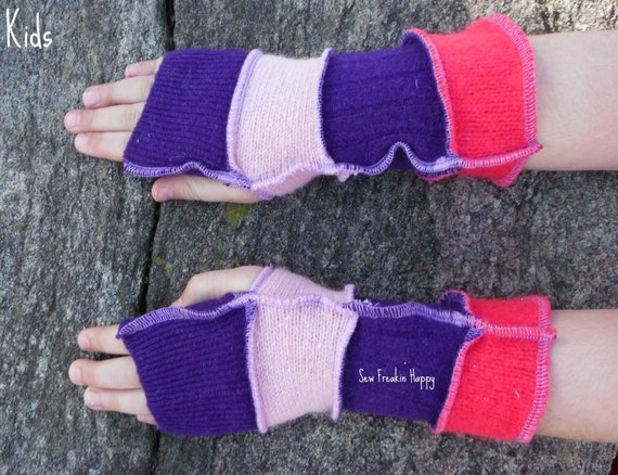 Kids Knit Arm Warmers This image courtesy of manga-hub.tk Arm warmers might not be the first thing you think about when bundling up your child for cold weather, but the Kid's Knit Arm Warmers will certainly change your mind. Arm warmers are a great layering piece .