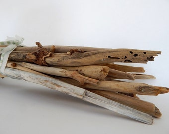 Bulk Beach Driftwood, 25 Thick Sticks with Character 12 - 16 inches - DIY Wall Hangings & Macrame