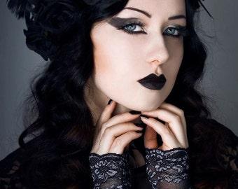 Elegant GOTHIC VAMPIRE Glamour GLOVES black-silver short goth lace gloves