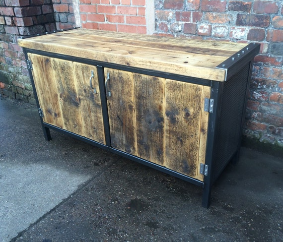 Reclaimed industrial chic rustic sideboard dresser cupboard - Table bar industriel ...
