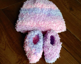 Baby Girl Fuzzy Baby Hat and Bootie Set