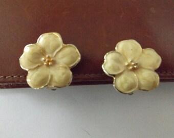Feee shipping! Vintage Blossom Earrings