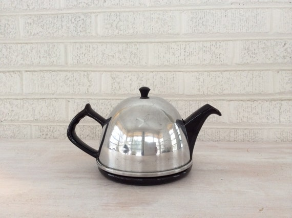 Vintage Famous Royal Dripless Teapot in Dark Brown with Aluminum Cozy