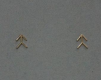 10K Solid Gold Arrow, Symbol, Mark, Sign earrings, geometric stud, 10k solid Gold - TG069