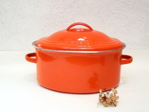 orange cocotte ovale le creuset vintage fran ais cousances. Black Bedroom Furniture Sets. Home Design Ideas
