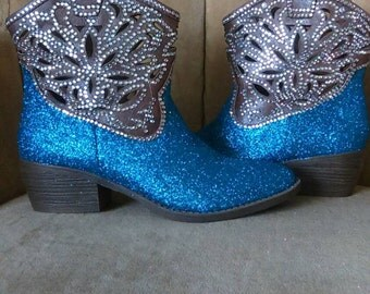 Woman's made to order custom cowboy boots. Rhinestone boots. Glitter cowboy boots.  size 8.5