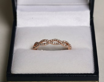 Rose Gold Diamond Infinity Ring / 0.25CT