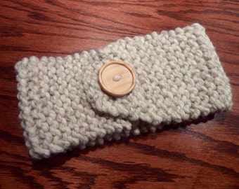 Knitted Soft Chunky Ripple Headband Earwarmer with Decorative Button