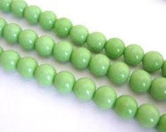 Czech Glass Druk 6mm - Pack 35 Beads - Opaque Light Green