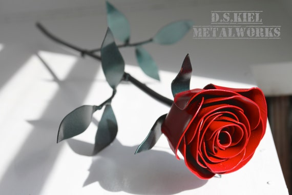 Metal Long Stem Red Rose, Classic Valentine Gift, Valentine's Gift, Metal Flower, 11th Anniversary, 6th Anniversary, 4th Anniversary