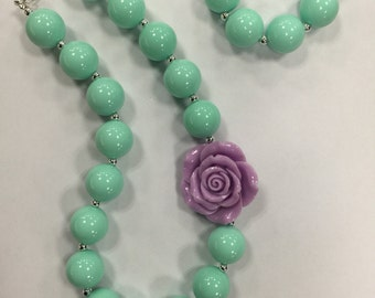 Girls Chunky Necklace, Girls Bubblegum Chunky Necklace, Mint Green and Lavender with flower Chunky Necklace