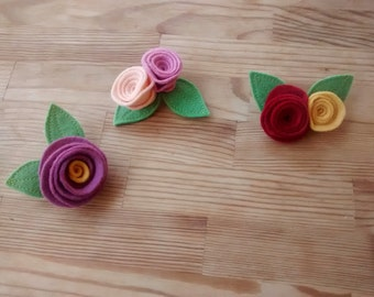 Flower felt brooch with leaves