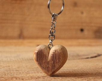 Modern heart shaped rustic Bio Larch wooden Keychain | rounded