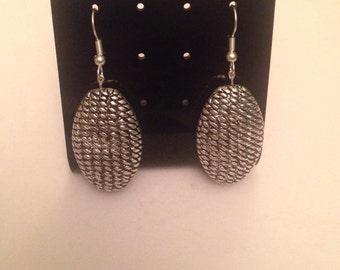 Silver oval texture earrings