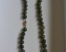 Quality Cut Spinach Jade Necklace – Great Vintage Piece with Deep Color and Great Tone – pp77
