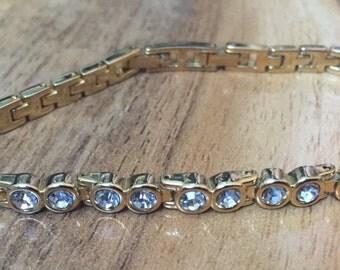 Estate Vintage Jewelry Bracelet Gold , Chain,CZ,Rhinestones, White   A-076