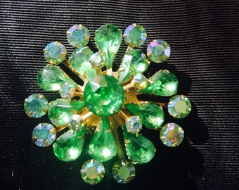 1950s Peridot Green Rhinestone Starburst Brooch
